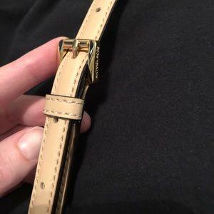 Michael Kors Bags - Michael Kors jet set crossbody, vanilla/gold